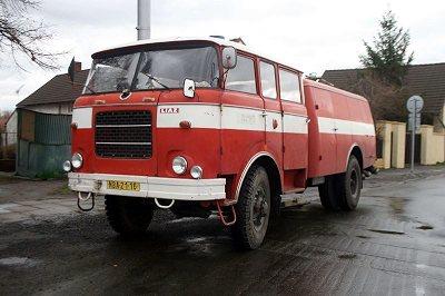 Cisternová automobilová stříkačka - CAS 25 Škoda 706 RTHP